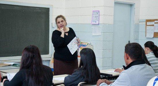 Uma postura acolhedora e de escuta aos pais favorece a aproximação entre escola e família