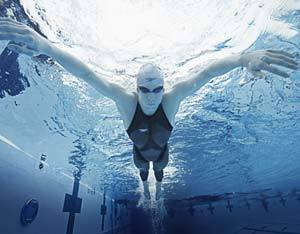 Michael Phelps se tornou o maior atleta olímpico de todos os tempos usando um maiô de alta performance. Foto: Divulgação/Speedo