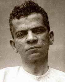 Lima Barreto: fotografia da ficha de internação no hospício em 1919. Agência Estado/Reprodução