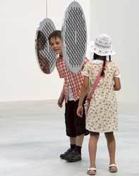OLHAR E REFLETIR O contato com a arte permite que os alunos relacionem conteúdos. Foto: Kiyoshi Ota/Getty Images