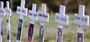 Homenagem às vítimas do massacre de Columbine nos EUA