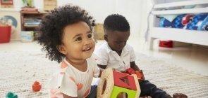 Criança gosta de escolher: liberdade de opções favorece aprendizagem