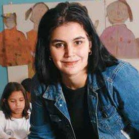IDENTIDADE Paula fez com que os alunos descubrissem um jeito próprio de desenhar e pintar. FOTOS DANIEL ARATANGY