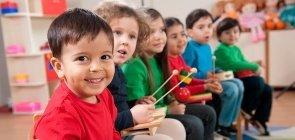 """Campos de Experiência na prática: como trabalhar """"traços, sons, cores e formas"""" na Educação Infantil"""