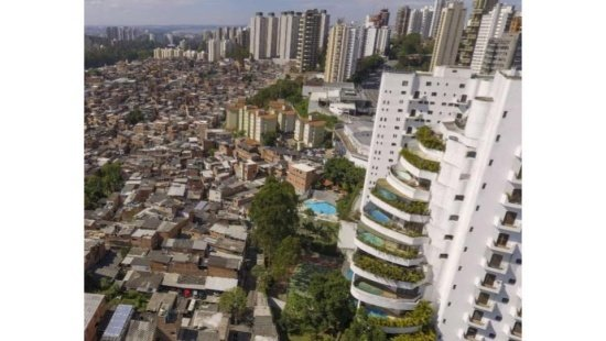 Contrastes sociais no Brasil