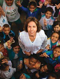 Mariluci e sua turma: em quatro meses de trabalho, 14 dos 32 alunos já estão alfabetizados. Foto: Tatiana Cardeal