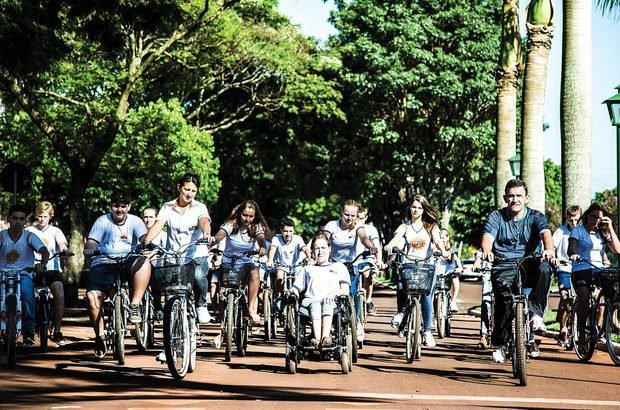 As ruas de Nova Santa Rosa tornaram-se local de aprendizado sobre como andar de bicicleta. Eron Zeni