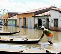 Bacabal (MA) - Casas atingidas pela enchente do rio Mearim no interior do Marahão. Foto: Antônio Cruz/ABr