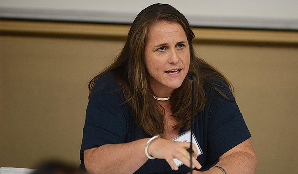 Claire Wardle durante palestra