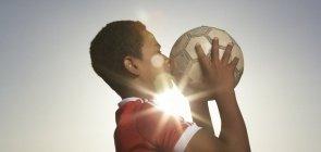 Escuta ativa e gestão democrática: jogar bola sozinho não ganha campeonato