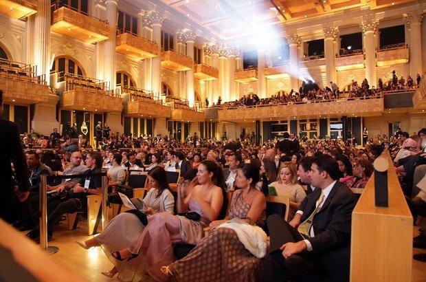 Convidados prestigiam a cerimônia de entrega do Prêmio Victor Civita Educador Nota 10, na Sala São Paulo