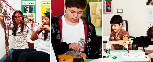 Ao experimentar materiais diferentes, os estudantes exploram, cada um a seu modo, muitas maneiras de trabalhar com a linha. Fotos: Suzete Sandin
