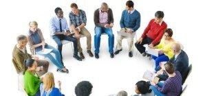 Rodas de conversa também são boas estratégias para os adultos