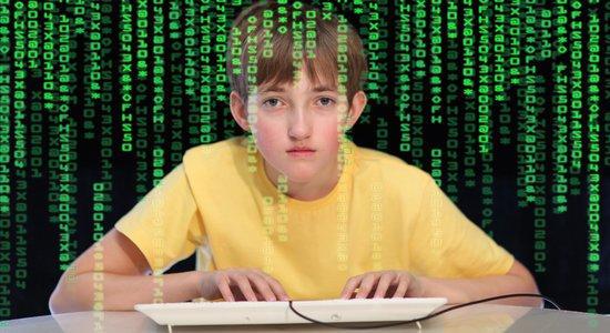 Garoto programando