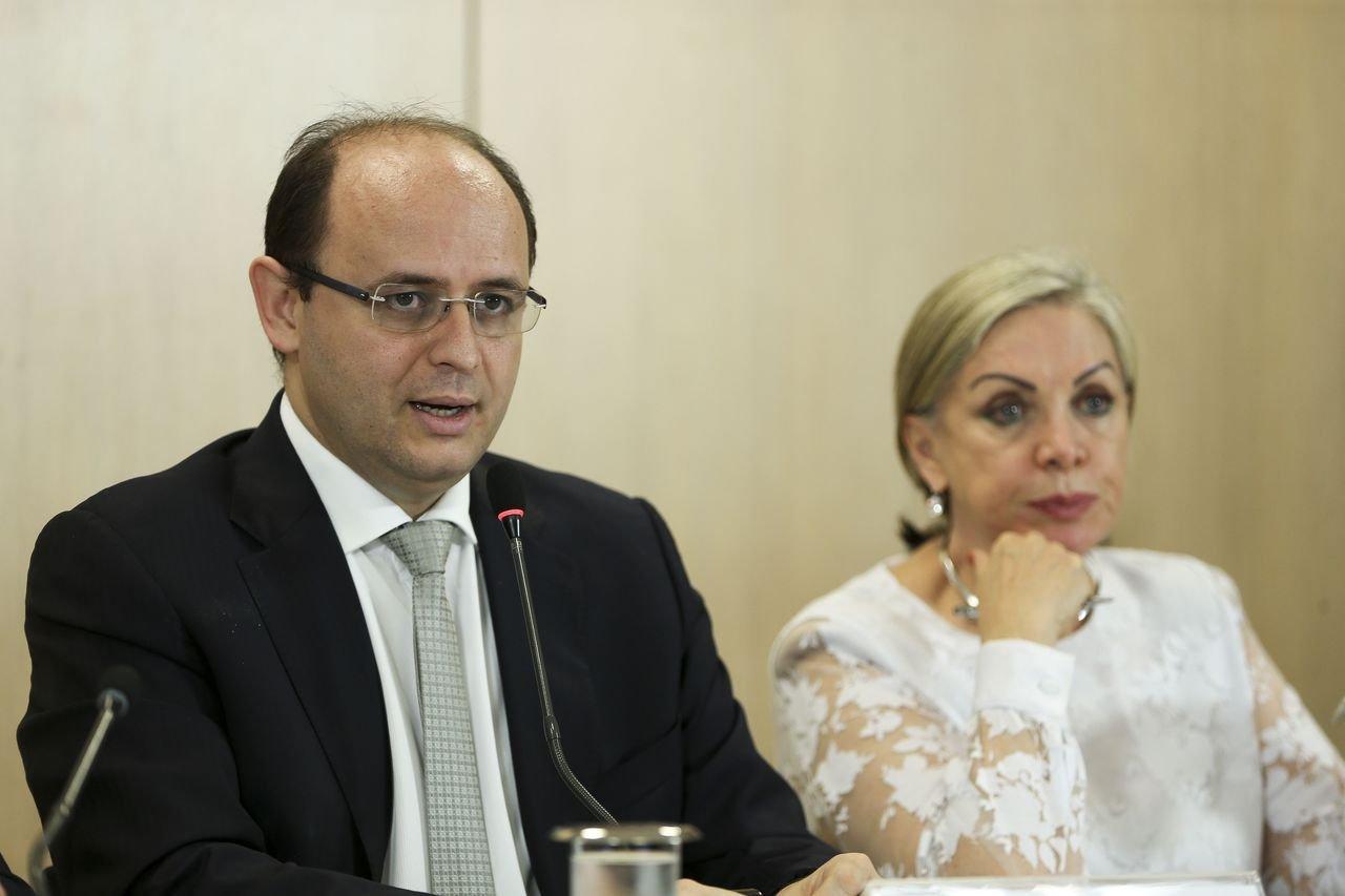 O ministro da Educação, Rossieli Soares, e a presidente do Inep, Maria Inês Fini