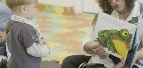 Educação Infantil: série de vídeos mostra como fazer leitura para bebês e desenho coletivo
