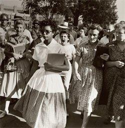 Tensão racial em Little Rock, EUA, nos anos 1950: crise inspira reflexão