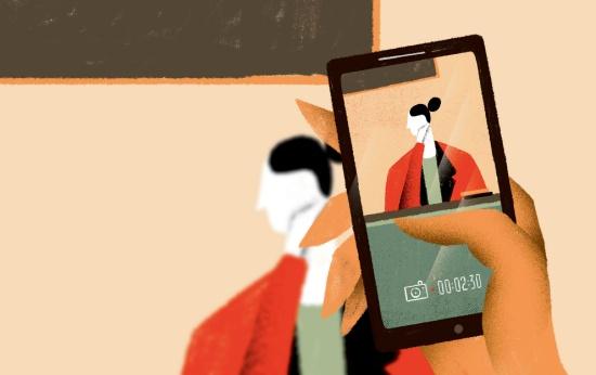 Ilustração de aluno filmando a professora com o celular