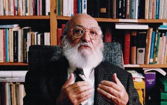As contribuições de Paulo Freire para a alfabetização de adultos
