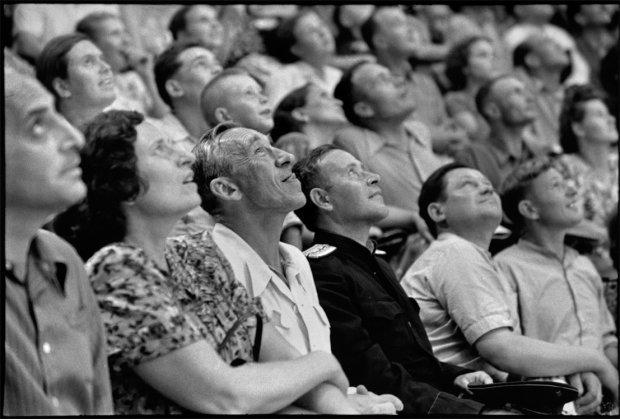 Fotografias que inspiram contos. Henri Cartier-Bresson/Magnum Photos/Latinstock