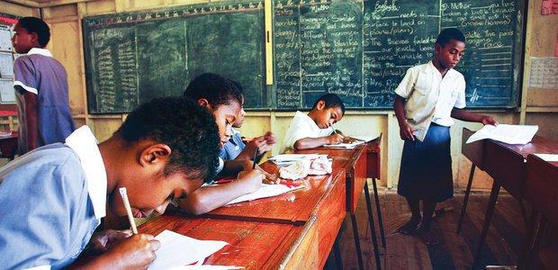 A Mamanuca Primary School foi criada em 1969 no vilarejo de Yanuya, nas ilhas Fiji, para atender crianças e jovens de 3 a 13 anos. Foto: Caio Vilela