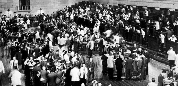 QUEDA DAS BOLSAS Consequência comum das crises que eclodiram em 1929 e em 2008. Foto: Rischgitz/Getty Images