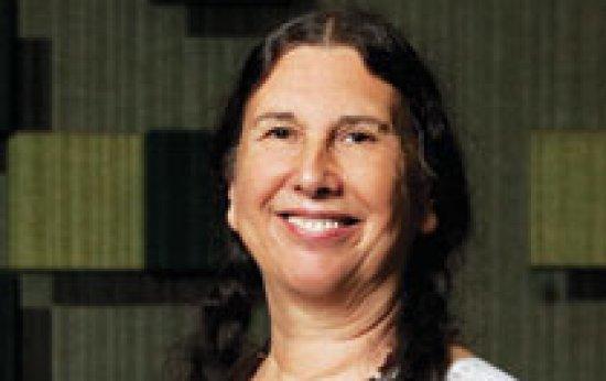 Anne-Marie Chartier destaca a importância da prática para a formação de professores