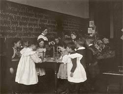 A escola-laboratório criada por Dewey em Chicago: a prática acima de tudo