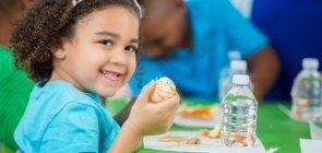 NOVA ESCOLA lança curso ao vivo sobre rotina das crianças na Educação Infantil