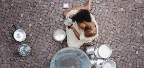 Conheça jovens artistas negros para trabalhar com a turma