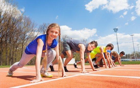 Uma proposta inclusiva de atletismo e esportes coletivos