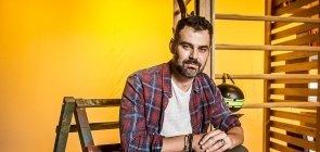 O ator Carmo Dalla Vecchia é um dos personagens centrais da nova temporada de Malhação: Vidas Brasileiras