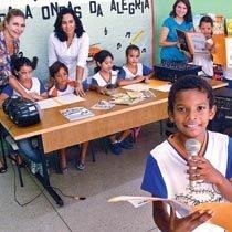 Na Maria Nosídia, em Goiânia, as produções são veiculadas nas oficinas de rádio. Foto: Carlos Costa
