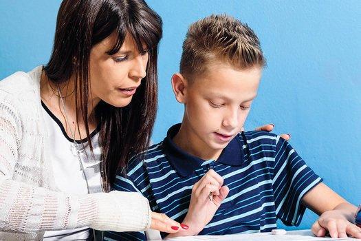 Como adaptar a forma de análise para mensurar o aprendizado do aluno com deficiência. Foto: Ramón Vasconscelos