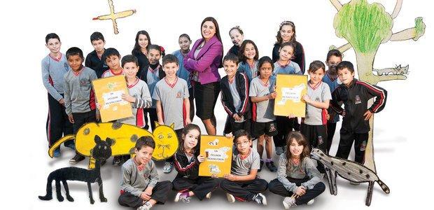 O livro ilustrado e escrito pela classe foi o mais lido da biblioteca da escola em 2013. Foto: Marcelo Almeida. Ilustrações Alunos da EM Doutor Sadalla Amin Ghanem