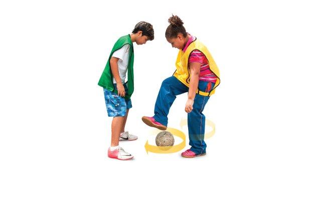 A pedalada é quando o atacante passa os pés sobre a bola repetidas vezes a fim de distrair o adversário e conseguir driblar a marcação