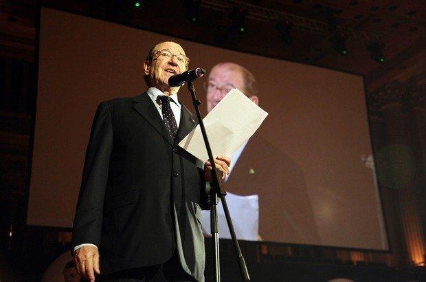 Presidente do Conselho da Fundação Victor Civita, Roberto Civita discursa na abertura da cerimônia do Prêmio