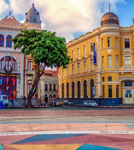 Prédios históricos e coloridos do Marco Zero em Recife (Pernambuco)