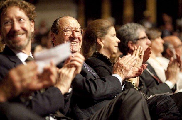 Da esquerda para a direita, Victor Civita Neto, Roberto Civita e Maria Antônia Civita na cerimônia de entrega do prêmio aos Educadores Nota 10