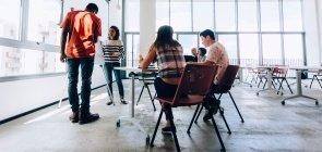 Reunião pedagógica: como colocar o professor no centro do planejamento