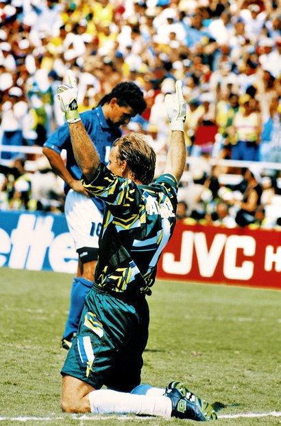 É importante estar atento à posição das pessoas na hora do clique para obter um bom resultado. Nesta foto, por exemplo, Taffarel, de costas, comemora a vitória do Brasil e Baggio, da Itália, lamenta a perda do pênalti na final da Copa do Mundo de 1994. Foto: Alexandre Battibugli