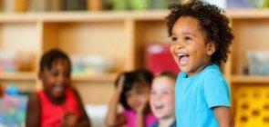 Por que as crianças fazem tantas perguntas (e como lidar com elas)?