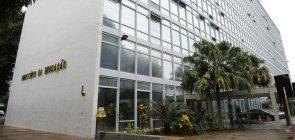 MEC: assessor especial de Vélez e chefe de gabinete são exonerados