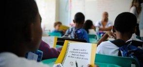 Brasil gastou R$ 16 bilhões com estudantes reprovados em 2016