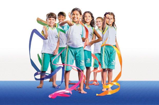Um dos aparelhos que a classe aprendeu a usar foi a fita, item básico da ginástica rítmica. Ramón Vasconcelos