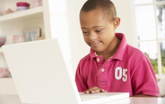 Recursos digitais gratuitos para incluir alunos com deficiência