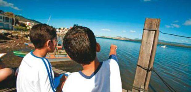 Estudo de campo de Geografia sobre bacias hidrográficas. Foto: Kriz Knack