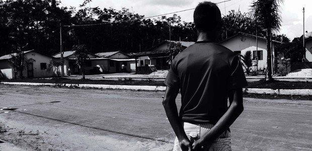 Após anos na escola sem conseguir ler e escrever, João* não se acha capaz de aprender Foto: Janduari Simões