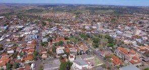 Duas cidades no Paraná oferecem vagas para educadores