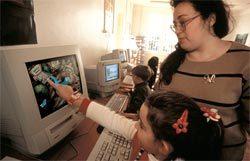 Tecnologia na escola: tópico para lidar com a fartura de informações. Foto: JupiterImages/AFP